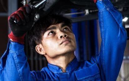 カンボジアで急務とされる自動車整備士の育成を支援