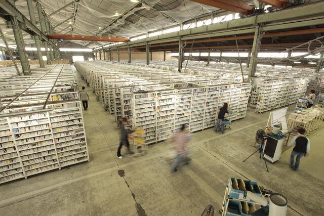 商品センターの在庫量は常時100万点50万タイトル