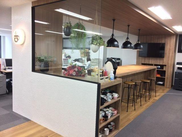 オフィスのカフェスペースです