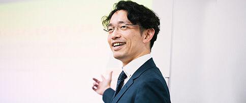公共ビジネス本部 ソリューションSEグループ 課長 佐藤