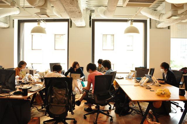 WeWorkは世界展開もしている、チームコミュニケーションを最大化してくれるオフィスです。
