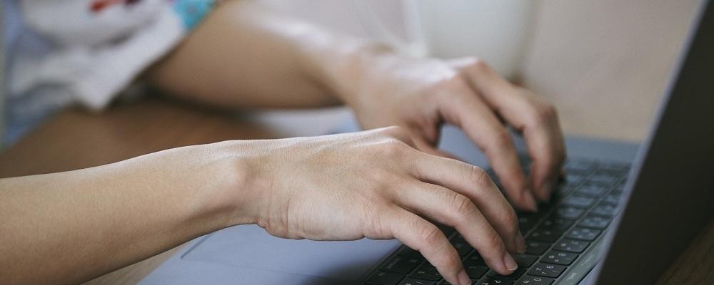 【Webエンジニア】コミュニケーションやチームワークを重視 | 株式会社キュービック