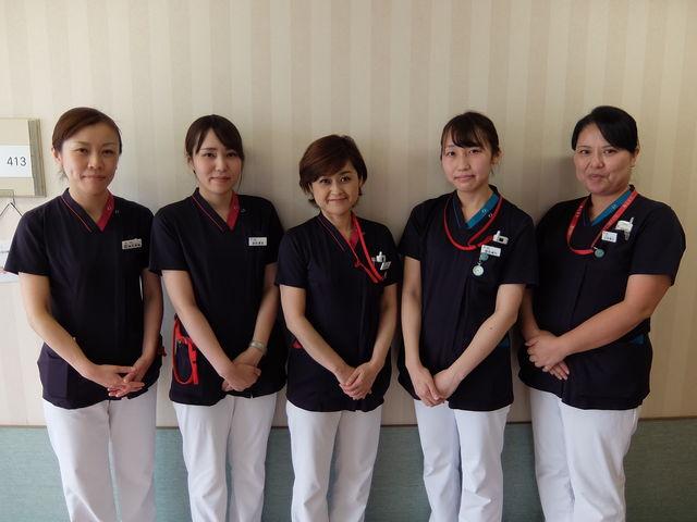 中央:岩本(看護部長)、右端:山田(回リハ病棟師長)