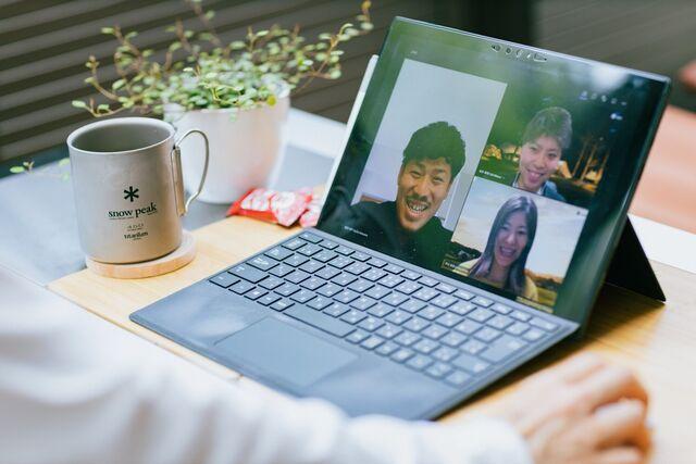 オンラインミーティングもお互いの顔を見ながら実施