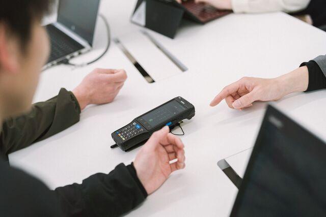 お客様の環境にあったデバイスも営業と一緒に提案します